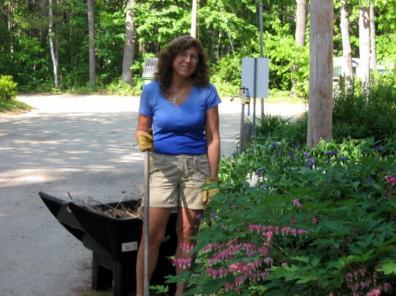 tami garden may 2010003 (800x598)
